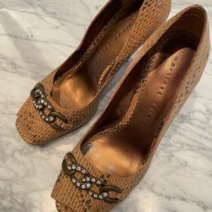 Martinez Valero Open Toe Snakeskin Pumps. 8 1/2 M